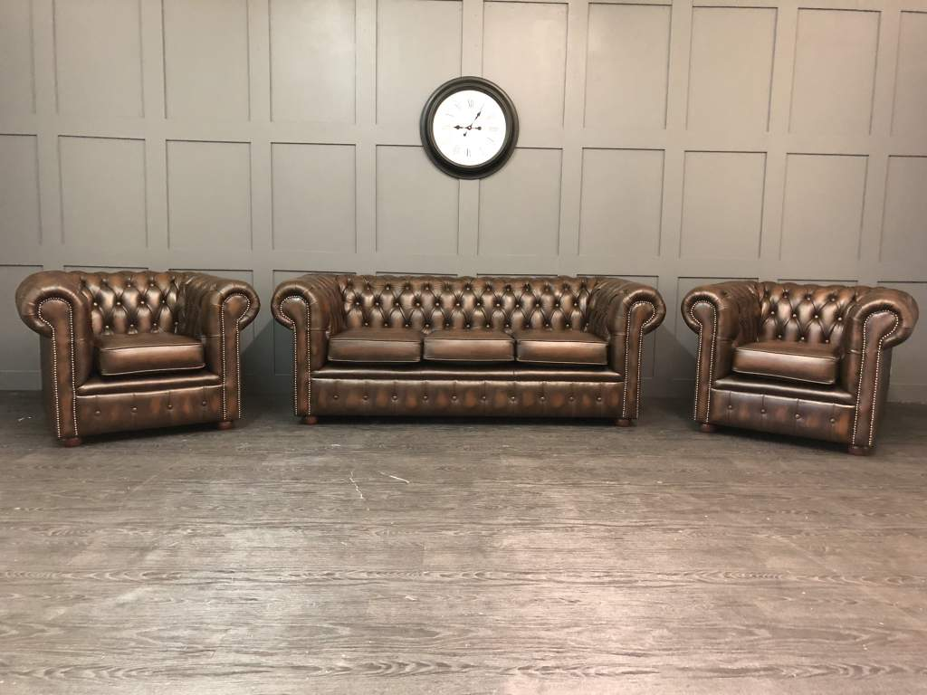 3 peice antique leather chesterfield suite